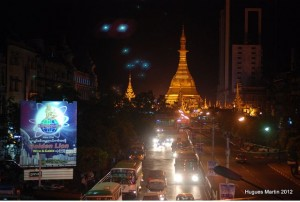 Sule Paya at night, Yangon